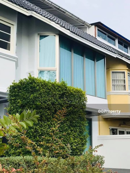 Townhouse in Tonglor #75319268