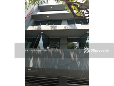 ให้เช่า - ให้เช่า ตึกแถว 3 คูหา สุขุมวิท 71 ติดถนน 5 ชั้น มีลิฟท์ Bts พระโขนง