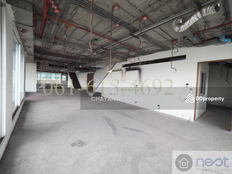 Le Raffine Jambunuda Sukhumvit31 condominium #76699404