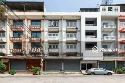 ขาย - ขายด่วน อาคารพาณิชย์สี่ชั้น พื้นที่ใช้สอย เป็น 480ตรม พร้อมดาดฟ้า 2 คูหา ใกล้ BTS อุดมสุข  17 ล้านบาท