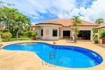 Nice 3 Bedroom Pool Villa | RS103