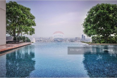 For Sale - The Bangkok Sathon - Sathon 1 bed 62 sqm. 50m. from BTS Surasak Station Good location, very convenient for travel.