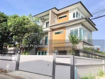 For Sale - ขายบ้านใหม่สร้างเอง ลาดพร้าว 48 แยก28 เพิ่งสร้างเสร็จ 1 ปี ย่านสุทธิสาร  ประตูรั้วไฟฟ้า บ้านหัวมุม