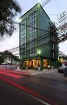 ขายโรงแรม 5 ชั้น ใหม่เอี่ยม ติดถนนประชาอุทิศ ใกล้ MRT ห้วยขวาง