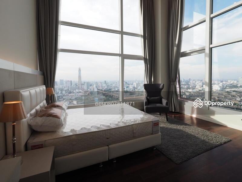 Circle Condominium #77134360