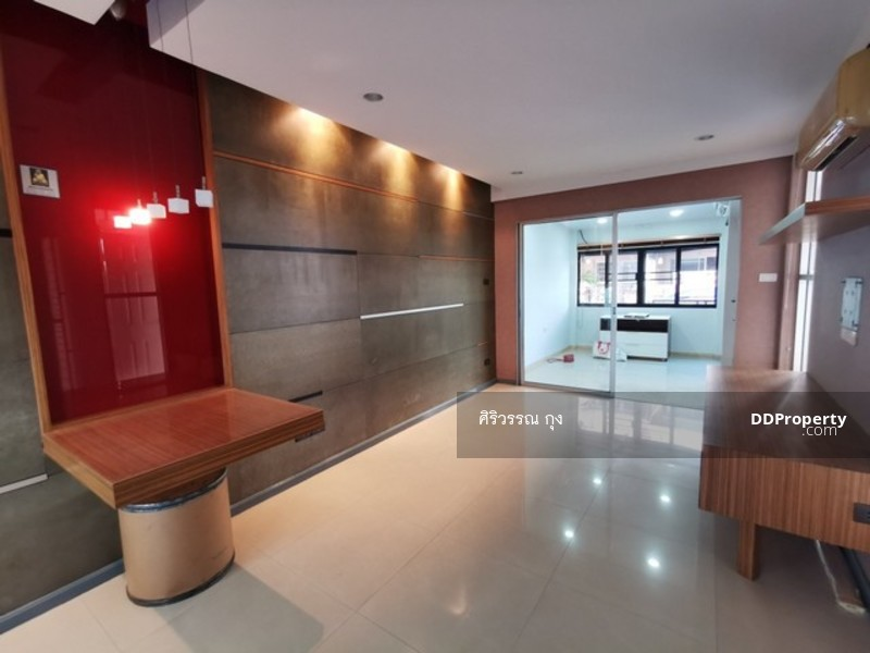 ขายทาวน์โฮม 3 ชั้น 18.7 ตรว 4น 3น ศุภาลัยวิลล์ เอกมัย-รามอินทรา นวลจันทร์ บิ้วอิน ทำใหม่ สวยมาก #77161082