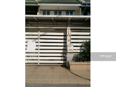 ให้เช่า - For Rent TownHouse ให้เช่า ทาวน์เฮ้าส์ ซอยบางนา-ตราด31 (PST Ann005)