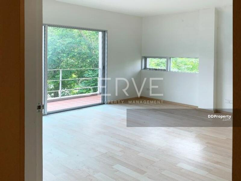 For Sale with Good Deal - Townhouse 3 Story, Close to Thonglor Area-Noble Cube (โนเบิล คิวบ์)