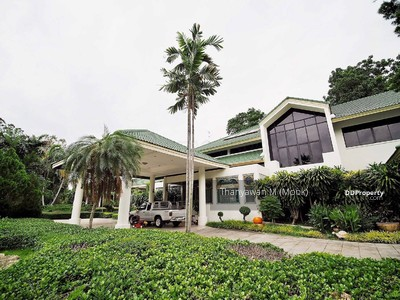For Sale - Quick sale luxury mansion on Tiwanon Road, behind Muang Thong area of nearly three rai