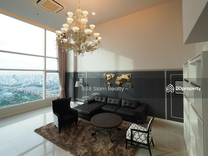 Circle Condominium #77385324