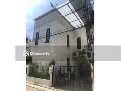 ขาย - 2 bedrooms For Sale in Ekkamai, Bangkok