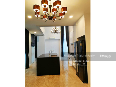 For Rent - House BTS Phromphong 6 bed / 7 bath