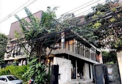 ให้เช่า - R059-082 for rent Building 2  Back in the same area 231 sq. m,