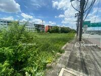 ขาย - ขายที่ดินติดทางแยกถนนฉลองกรุงและถนนสุวินทวงศ์ 20 ไร่ เหมาะทำหมู่บ้าน