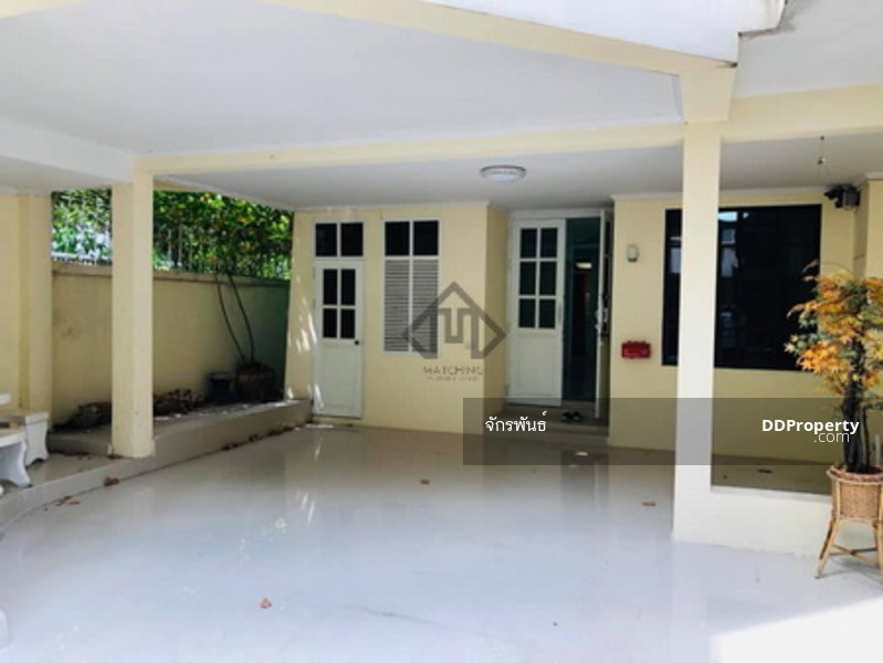 ขาย บ้านพูลวิลล่า 4 ชั้น อโศก-พร้อมพงษ์ หมู่บ้านชิชาคาสเซิล 4 ห้องนอน มีสระว่ายน้ำ ใกล้BTS พร้อมพงษ์ #78524336