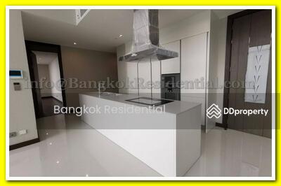 ขาย - Q Sukhumvit 4 Bed Duplex For Sale (BR12711CD)