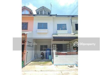 For Sale - Townhouse for sale, Narisara village, Khlong 11, Rangsit-Nakhon Nayok road. Bueng Namrak, Thanyaburi Near Rajamangala University of Technology Thanyaburi