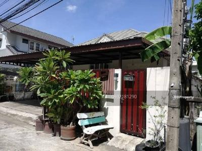 ให้เช่า - ให้เช่า บ้านเดี่ยว ลาดพร้าว62 ใกล้ MRT สุทธิสาร แบบ 2ห้องนอน 2ห้องน้ำ เนื้อที่50ตรว. เช่า25, 000บาท ติดต่อ 0932181290 คุณ เก๊ะ