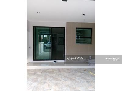 For Sale - ์New Premium Townhome in walking distance of Bkk. biggest public park, Suan Luang R. 9