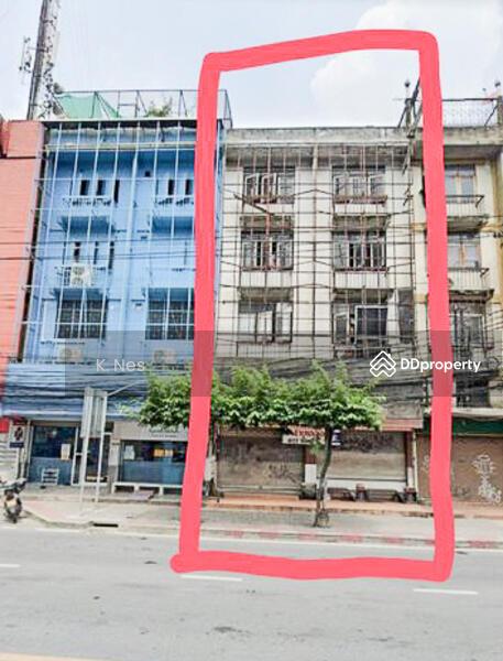 อาคารพาณิชย์ 2 ห้อง 4 ชั้นครึ่ง ริมถนนปดิพัทธ์ ปากซอย 3 ติดไปรษณีย์ไทย #79612804