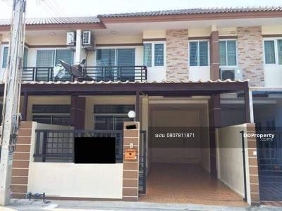 For Rent - Townhouse for rent, Suksan Village, Villa Bangsaen, 4 bedrooms, 2 bathrooms, usable area of 100 sqm. Rent 13, 500 baht, contact 0807811871 Khun On
