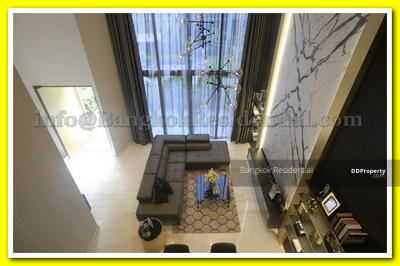 ให้เช่า - 4 Bed Townhouse in Compound For Rent in Phrom Phong BR27683TH