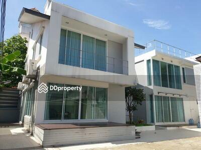 ให้เช่า - For Rent Bangkok Single House Sukhumvit BTS Ekkamai Khlong Toei BRE14773