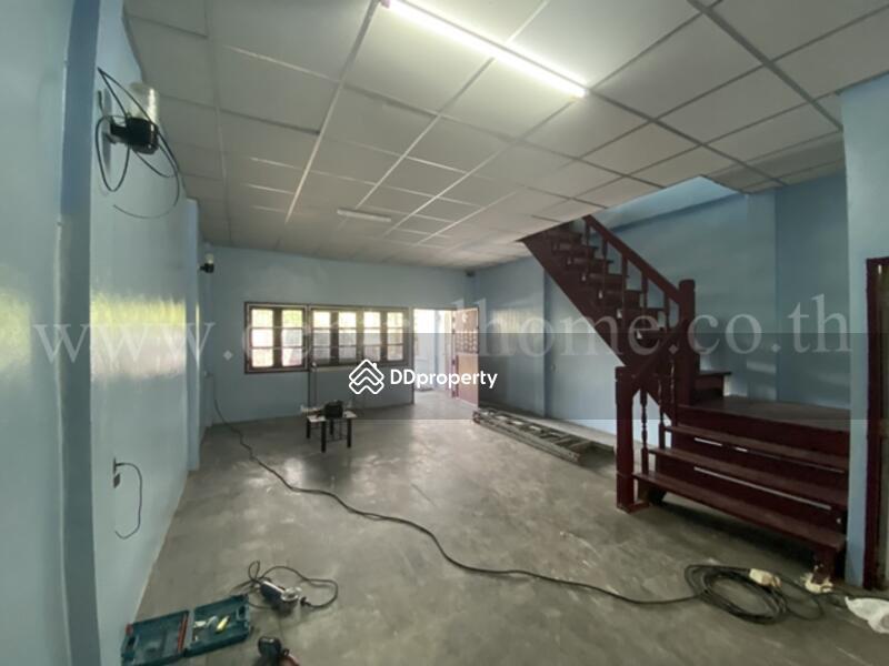 ทาวน์เฮ้าส์ หมู่บ้าน พารวย บางบัวทอง พร้อมผู้เช่า