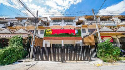 For Sale - C1MG100063 Townhouse three storey for sale with fully furnished in the city center.