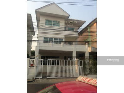For Rent - House for rent Pracharat Bamphen Road, near MRT Huai Khwang / MRT Suthisan Company registration can be / 46-HH-63083