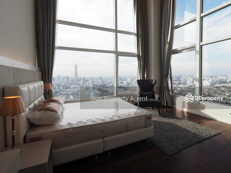 Circle Condominium #81213246