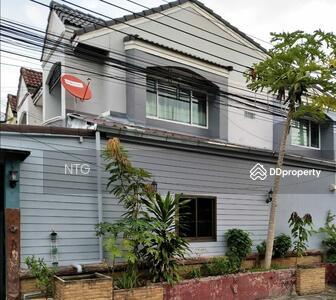 """ขาย - SALE : ขายด่วน Town home 2 ชั้นพร้อมเฟอร์ ซอย. เสรีไทย 43 """"หมู่บ้านนวกานต์""""การคมนาคมสะดวก ใกล้เดอะมอลล์บางกะปิ(ST134)"""