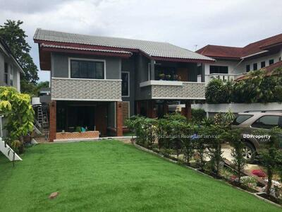 For Rent - Code KRE X61, a single house on Sukhumvit 101 road, 5 bedrooms, 4 bathrooms, area 147 sq. wa. , 2 floors, rent 65000 baht @LINE: 0835029312 Khun Omelet