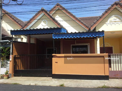 For Rent - 6AR40215 Townhouse for rent with 3 Bedrooms, 2 Bathrooms,  Price to rent only   7, 000  baht per month.