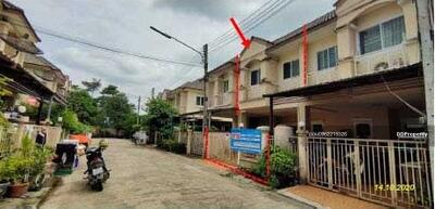 For Sale - Code KRE X433, townhouse, Sinthanee Village, Rangsit-Nakhon Nayok Road (Tor Lor 305), 3 bedrooms, 2 bathrooms, area 18. 8 sq. wa, 2 floors, sold 1. 65 MB @LINE: 0962215326 Khun On