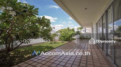 ให้เช่า - Pet Allowed   Ideal Place For Big Famlilies Apartment 4 Bedroom For Rent BTS Ekkamai in Sukhumvit Bangkok ( AA14433 )