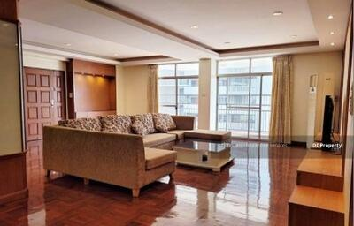 For Rent - Code KRE W2199 Apartment near BTS Thonglor, 3 bedrooms, 3 bathrooms, usable area 225 sq m, 6th floor, rent 53000 baht @LINE: 0949131629 Khun New