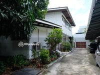 ขาย - ขายที่ดินถนนเพชรบุรีตัดใหม่ ทองหล่อ เนื้อที่ดิน 290. 6 ตารางวา พร้อมอาคาร และบ้าน