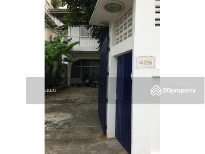 ขาย - H-279 ให้เช่าบ้าน เอกมัย26 บ้านเลขที่426  3ห้องนอน 4ห้องน้ำ 2ครัวไทย มีสนามหญ้าหน้าบ้าน
