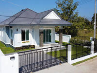 For Sale - CM0283  Single storey house for sale. Only 10-15 minutes with 2 bedrooms, 2 toilets, usable area of  66. 5 sq m.