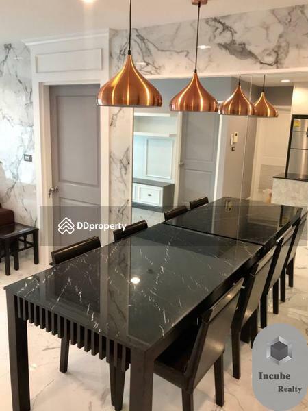 Serene Place Sukhumvit24 condominium #89539610