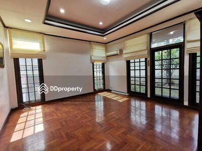 ให้เช่า - ให้เช่า บ้าน 3 ห้องนอน ใกล้สถานี Victory Monument MSP-30217
