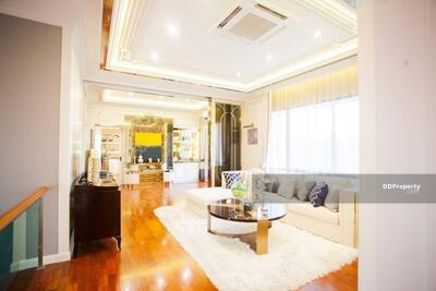 For Rent - Five Bed House for Rent in Bang Na MSP-31339