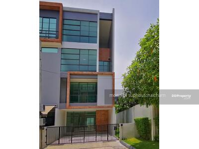 For Sale - A CORNER TOWNHOME 4 STOREYS NEAR ASIATIQUE FOR SALE