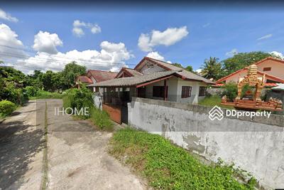 ให้เช่า - AE1814 ให้เช่าบ้านเดี่ยวสองชั้น  ใกล้เมือง 2 ห้องนอน 1 ห้องน้ำ 1 ห้องครัว 1 ที่จอดรถ   พื้นที่  50  ตารางวา ราคา 8, 000 บาทต่อเดือน