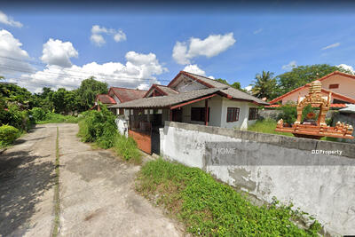 For Rent - AE1814- A house  for rent Near The town  with 2 bedrooms, 1 toilets and 1 kitchen.