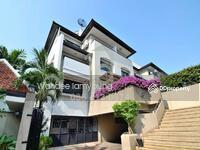 ขาย - 3 bed + 3 study room townhouse sale at Baan Charoenmet in Ekkamai 10 near BTS Ekkamai