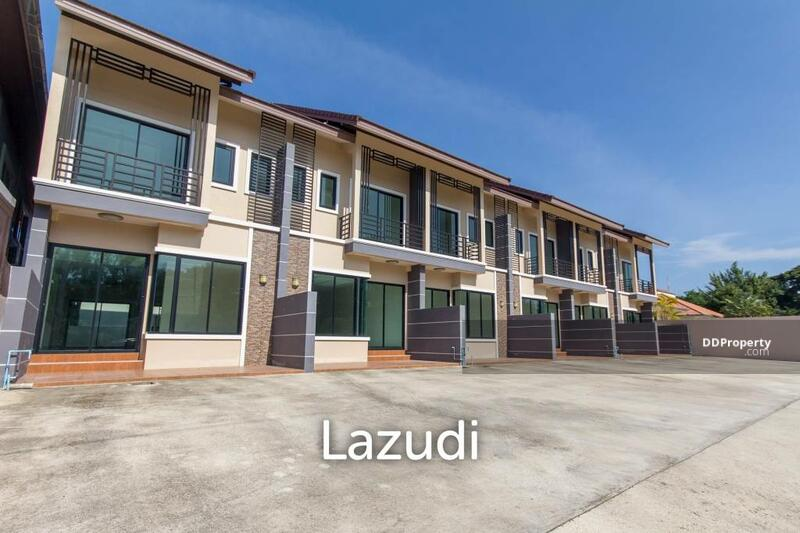 Lazudi 2 Bedroom townhouse, Very close to Town