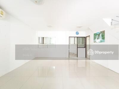 ขาย - ขายด่วน ทาวน์โฮม หมู่บ้านเด่นชัย ซอยมังกร แพรกษา ราคาคุ้ม 27 ตร. ว. 2 ชั้น 3 ห้องนอน