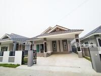 ขาย - CG0329  ขายบ้านเดี่ยวชั้นเดียว    เดินทางเข้าเมืองเพียง  10-15 นาที   มี   3  ห้องนอน  2 ห้องน้ำ 1 ห้องครัว 2 ที่จอดรถ  พื้นที่ใช้สอยถึง   47. 4  ตรว.